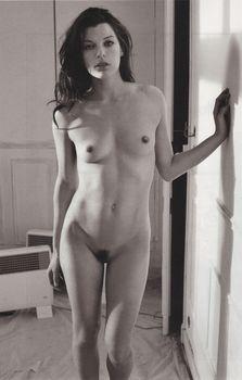Милла Йовович обнажилась для журнала Purple фото #1