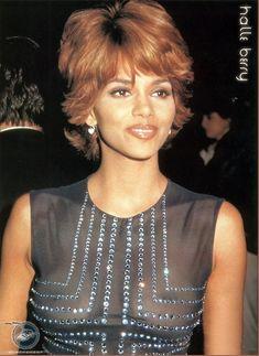 Холли Берри в прозрачном платье фото #2