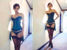 Холли Берри в эротическом белье фото #1