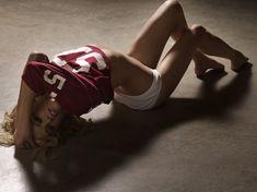Сексуальная Эмбер Хёрд в откровенных нарядах на фото от Don Flood фото #4