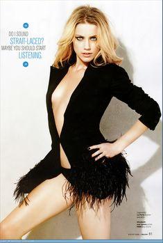 Сексуальная фотосессия Эмбер Хёрд для Maxim фото #9