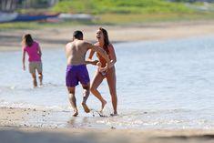 Сексуальная Алекса Вега в ярком бикини на Гавайях фото #4