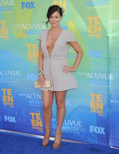 Глубокое декольте Алексы Веги на Teen Choice Awards фото #5