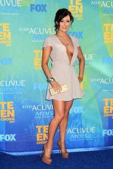 Глубокое декольте Алексы Веги на Teen Choice Awards фото #6