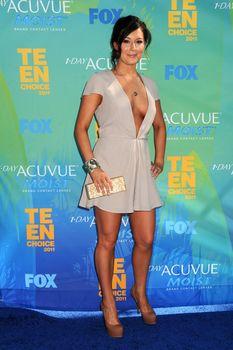 Глубокое декольте Алексы Веги на Teen Choice Awards фото #7