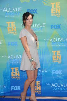 Глубокое декольте Алексы Веги на Teen Choice Awards фото #9