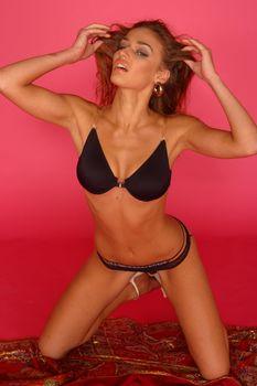 Сексуальная Алена Водонаева в белье на фотосессии фото #1