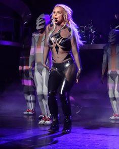 Эротический наряд Бритни Спирс во время выступления в Лас-Вегасе фото #2