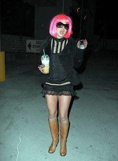 Шаловливая Бритни Спирс засветила попку в эротической юбочке фото #7