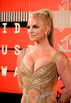 Шикарная грудь Бритни Спирс в сексуальном наряде на MTV Video Music Awards фото #7