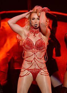 Горячая Бритни Спирс в эротическом наряде на сцене Music Awards Show фото #7