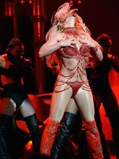 Горячая Бритни Спирс в эротическом наряде на сцене Music Awards Show фото #12