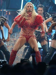 Горячая Бритни Спирс в эротическом наряде на сцене Music Awards Show фото #14