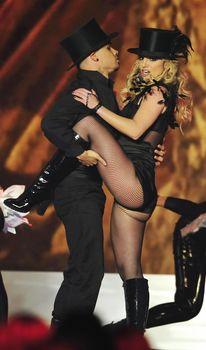 Упругие ягодицы Бритни Спирс в эротических колготках на Bambi Awards Show фото #1