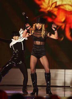 Упругие ягодицы Бритни Спирс в эротических колготках на Bambi Awards Show фото #4