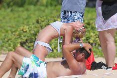 Аппетитная Бритни Спирс разминается в бикини на Гавайях фото #9