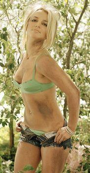 Страстная Бритни Спирс снимает шорты для Andrew Eccles фото #8