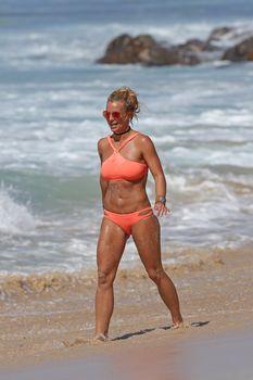 Шикарное тело Бритни Спирс в бикини на Гавайях фото #1