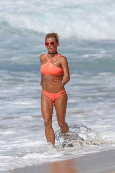 Шикарное тело Бритни Спирс в бикини на Гавайях фото #3