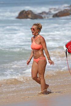 Шикарное тело Бритни Спирс в бикини на Гавайях фото #4