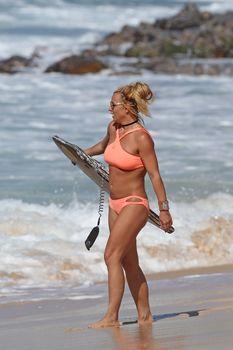 Шикарное тело Бритни Спирс в бикини на Гавайях фото #11