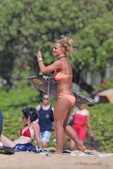 Шикарное тело Бритни Спирс в бикини на Гавайях фото #15