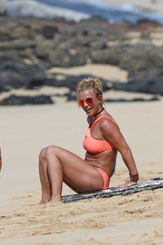 Шикарное тело Бритни Спирс в бикини на Гавайях фото #16