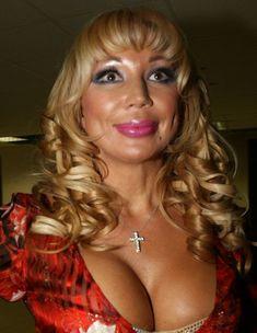 Огромные сиськи Маши Распутиной в сексуальном наряде фото #2