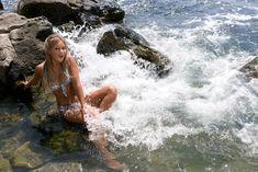 Красивая Дана Борисова в купальнике на отдыхе фото #5