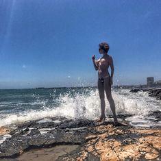Привлекательная Наталья Штурм показала голую грудь в Испании фото #3