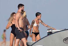 Спортивная Руби Роуз в бикини на пляже фото #6