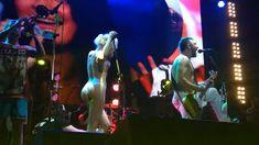 Горячая Алиса Вокс полностью разделась на сцене во время концерта «Ленинград» фото #11