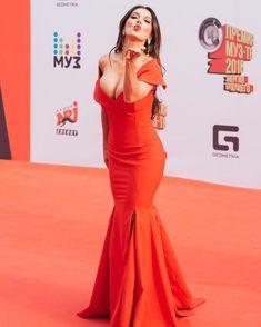 Шикарное декольте Анны Седоковой в сексуальном платье на вручении премии МУЗ-ТВ фото #1