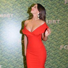 Шикарное декольте Анны Седоковой в сексуальном платье на вручении премии МУЗ-ТВ фото #5