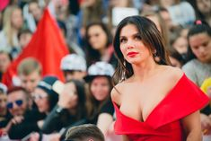 Шикарное декольте Анны Седоковой в сексуальном платье на вручении премии МУЗ-ТВ фото #6