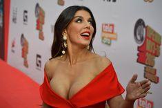 Шикарное декольте Анны Седоковой в сексуальном платье на вручении премии МУЗ-ТВ фото #7