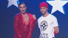 Горячая Анна Седокова засветила грудь на концерте фото #3