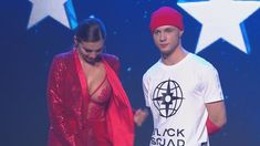Горячая Анна Седокова засветила грудь на концерте фото #4