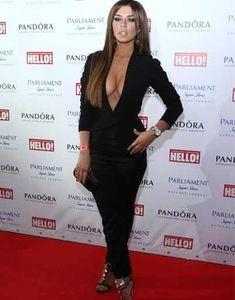 Открытое декольте Анны Седоковой на вручении премии «Самые стильные в России по версии журнала Hello» фото #7