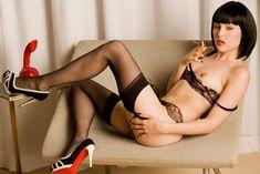 Сексуальная Саша Грей обнажилась для горячих фото фото #10