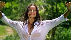 Сексуальная Оксана Федорова засветила грудь в мокрой рубашке для клипа «Из-за тебя» фото #4