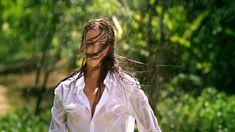 Сексуальная Оксана Федорова засветила грудь в мокрой рубашке для клипа «Из-за тебя» фото #13