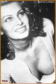 Шикарное декольте Софи Лорен в красивых нарядах фото #2