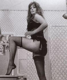 Сексуальная Софи Лорен в эротическом нижнем белье фото #9