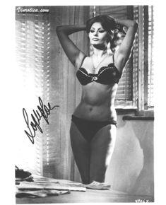 Сексуальная Софи Лорен в эротическом нижнем белье фото #13
