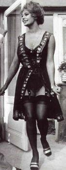 Сексуальная Софи Лорен в эротическом нижнем белье фото #19