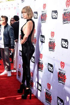 Возбуждающий наряд Тейлор Свифт на iHeartRadio Music Awards фото #5