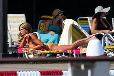 Горячая Эшли Грин в сексуальном купальнике на съёмках фильма «Лето на Статен-Айленд» фото #9