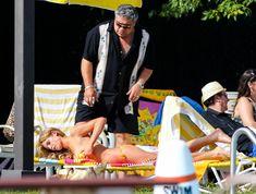 Горячая Эшли Грин в сексуальном купальнике на съёмках фильма «Лето на Статен-Айленд» фото #10