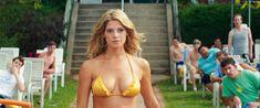 Соблазнительная Эшли Грин в бикини на кадрах из фильма «Лето на Статен-Айленд» фото #2